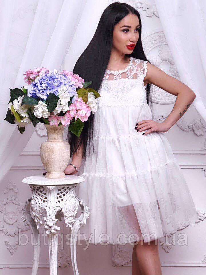Эффектное женское шифоновое платье с декором белое, розовое, голубое, молоко