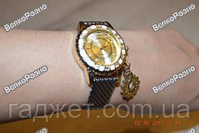 Стильные женские часы Kim Seng с подвеской в виде лебедя с темно синим ремешком., фото 2