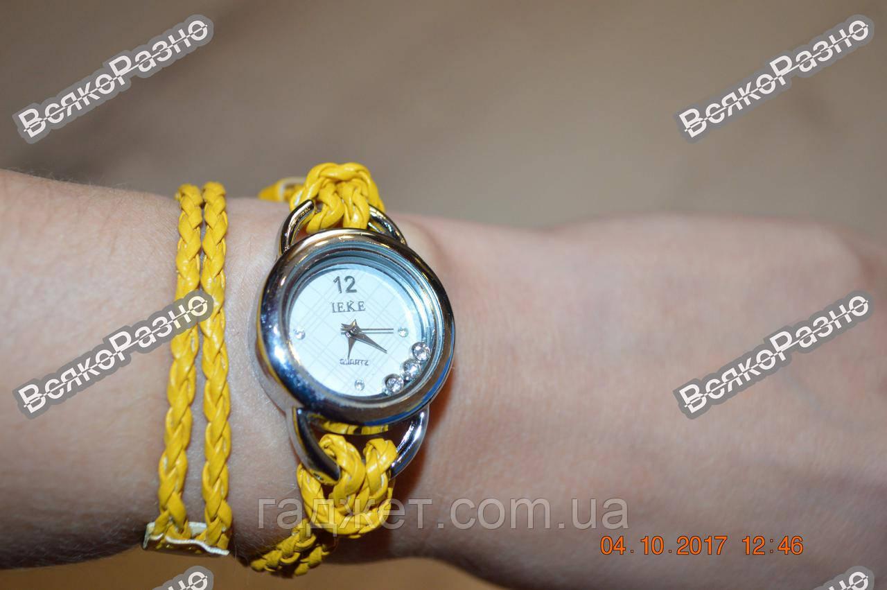 Женские часы IEKE с переплетенным длинным ремешком желтого цвета