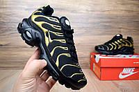 Женские кроссовки Nike  TN Plus черные с золотом Топ Реплика Хорошего качества