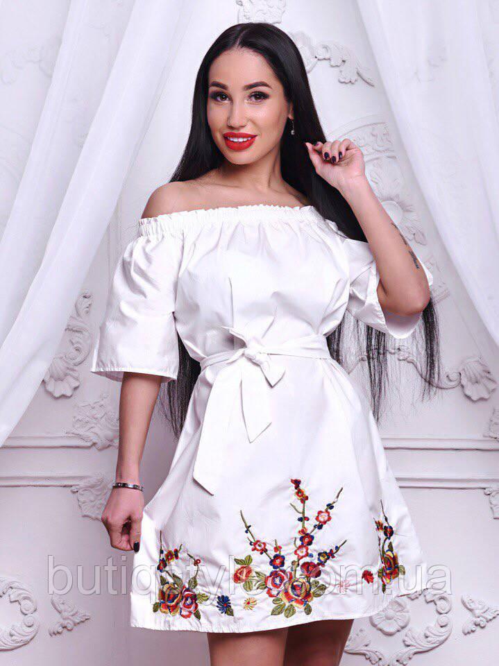 Стильное женское котоновое платье с вышивкой белое, розовое, голубое