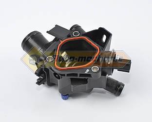 Термостат охлаждающей жидкости с корпусом на Renault Master III 2014->2.3dCi - Renault (Оригинал) - 110604371R
