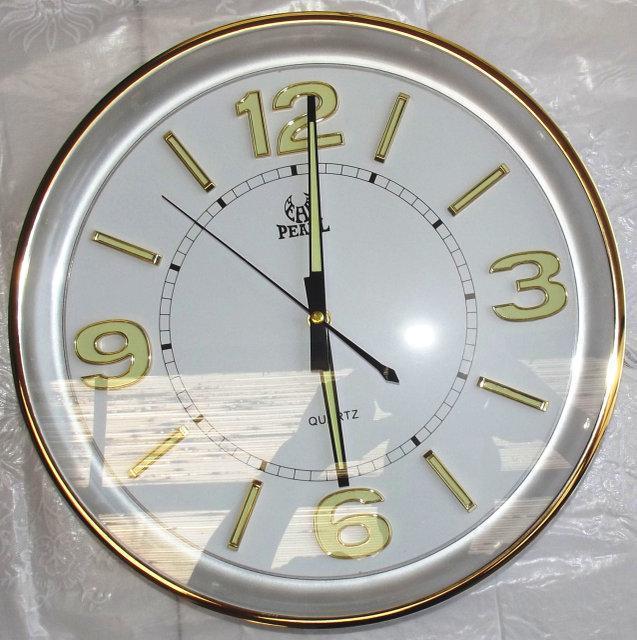 Кварцевые настенные часы Pearl PW154-L