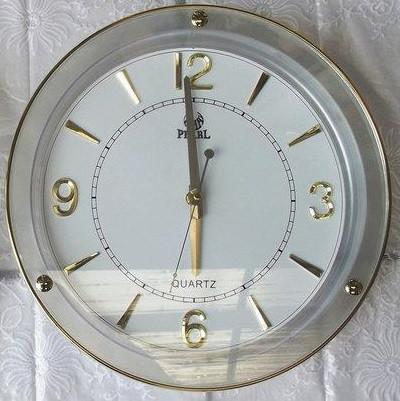 Кварцевые часы настенные Pearl PW117