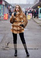 Женская шуба из лисы с поперечным расшивом