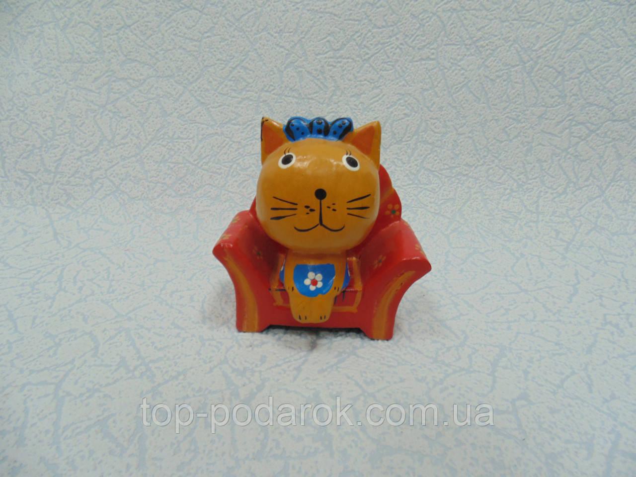 Статуєтка кошка в кресле деревянная размер 10*11*5 см