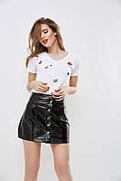 """Хлопковая женская футболка """"KISS"""" с камнями (2 цвета)"""