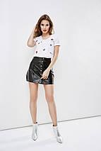 """Хлопковая женская футболка """"KISS"""" с камнями (2 цвета), фото 3"""
