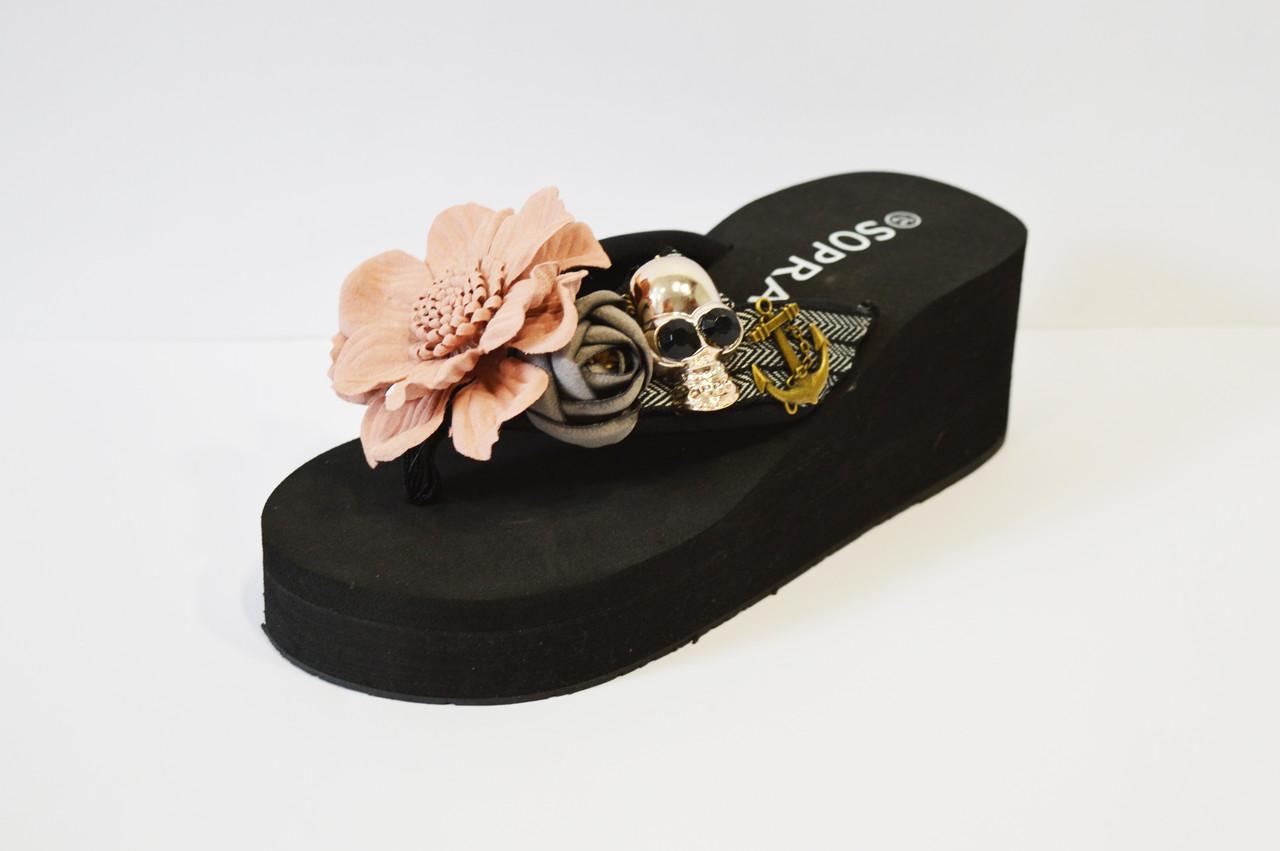 Вьетнамки черные с цветами Sopra 10035