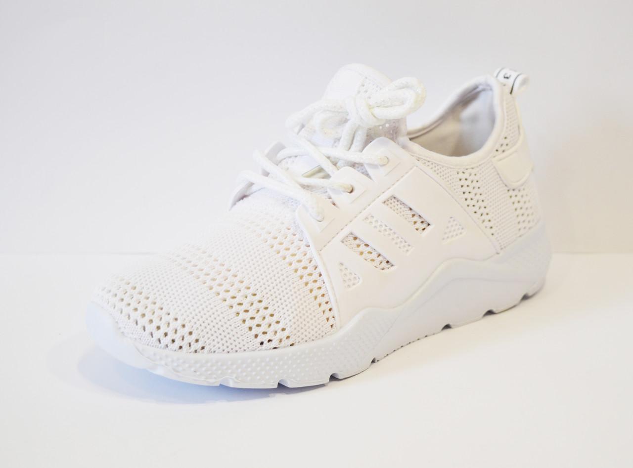 Кроссовки текстильные белые Sopra 07