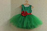 """Нарядное платье """"Милания"""" - зеленое с красным поясом и бантом"""