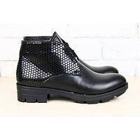Ботинки демисезонные черные комбинированная кожа: гладкая и под питон, без каблука