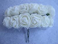 Розы, розочки из латекса с фатином 2-2,5 см Молочный