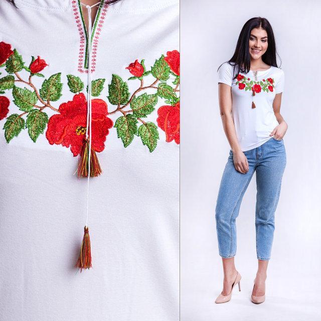 Вышитая гладью футболка Розы