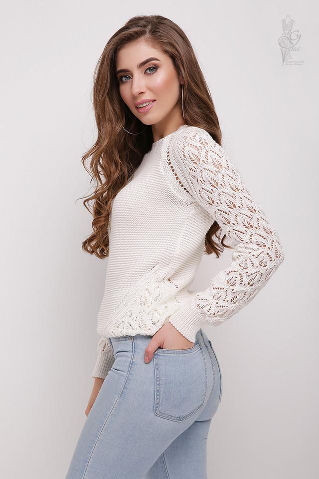 Цвет молоко Вязаного женского свитера Кивана