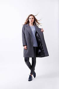 Женское шерстяное пальто прямого силуэта на пуговицах