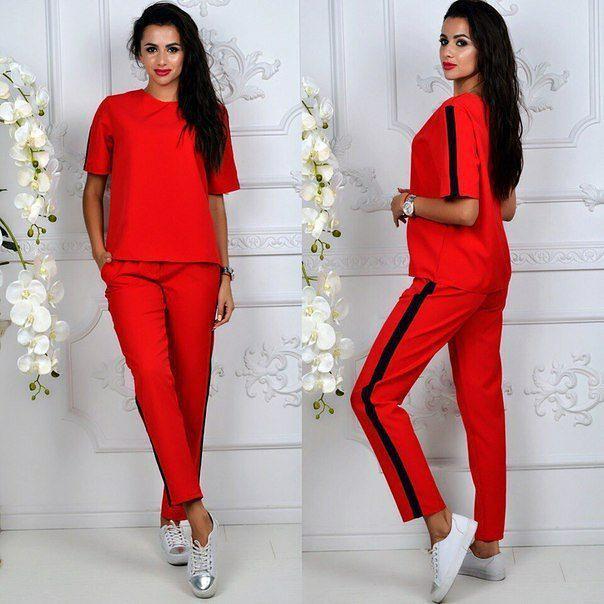 94a3dbfc0467 Модный женский костюм красного цвета с лампасами - Интернет-магазин одежды  и обуви от производителя