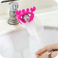 Насадка - удлинитель для водопроводного крана Краб розовый с прозрачной площадкой