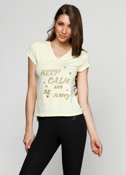 Летняя женская футболка желтого цвета