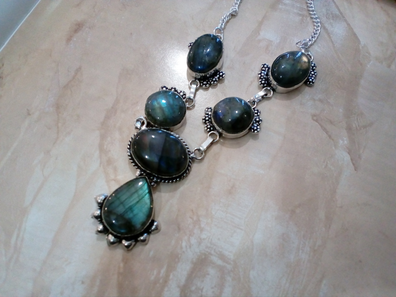 Ожерелье с лабрадором. Красивое ожерелье с камнем лабрадор в серебре. Индия!