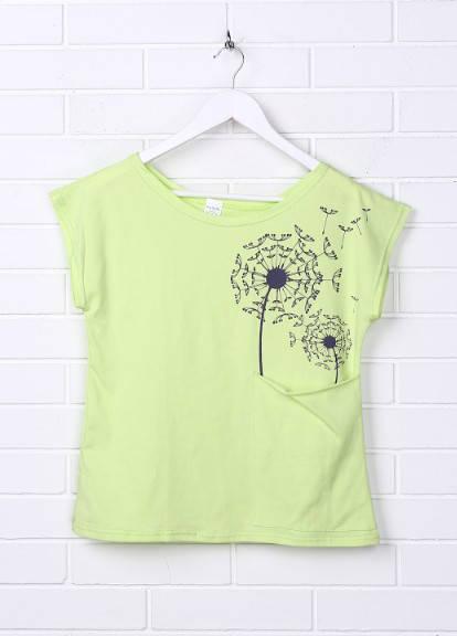 Женская футболка салатовая с вырезом лодочка