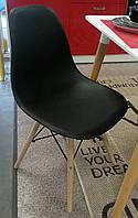 Стул DS-913 ENZO черный, деревянные ножки из бука, на стальном крепеже, спинка и сиденье полипропилен