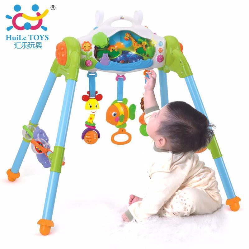 Игровой развивающий центр Маленький лес Huile Toys 906