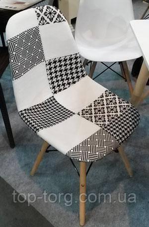 Стул DS-922 черно-белая ткань, деревянные ножки