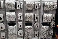 Диспенсер для бумажных полотенец в рулонах отрезающий отрывы Unique 361 белый питон, фото 2