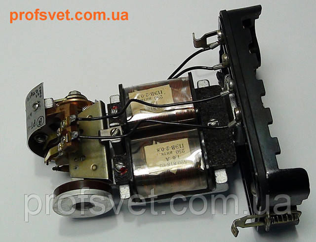 фотография реле максимального тока рт-40 0,2 ампера открытое