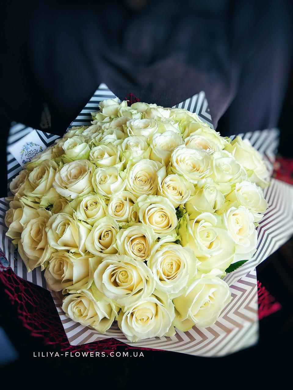 Букет из 51 белой розы Аваланч