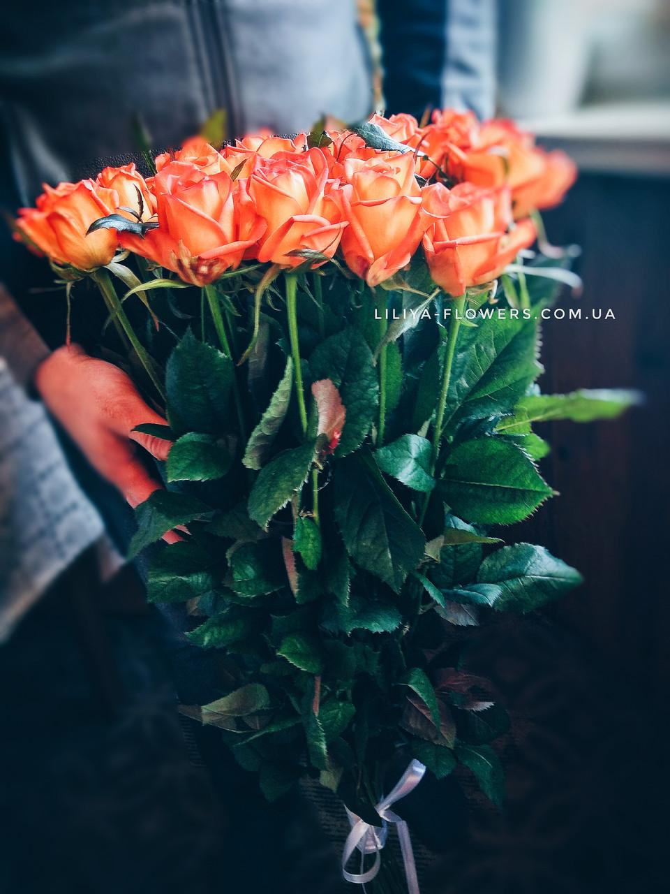 Букет из 25 метровых оранжевых роз