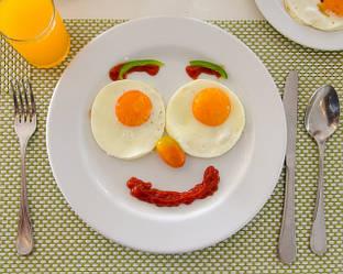 Регулярный завтрак защитит от заболеваний и нормализует массу тела