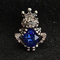 [20/30 мм] Брошь темный металл Царевна Лягушка синий кристалл