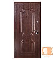 """Входная дверь в квартиру """"Классика"""" серии """"Оптима плюс"""" (тёмный орех)"""