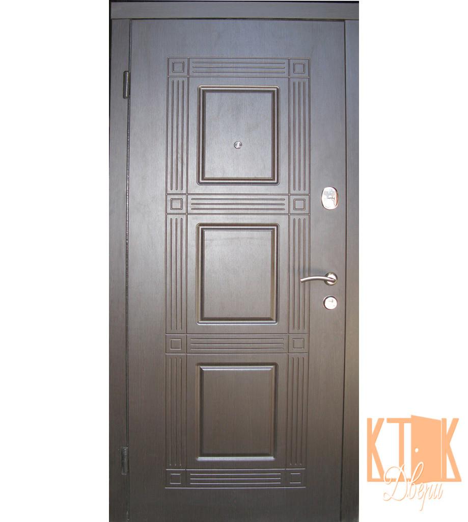 """Входная дверь в квартиру """"Квадро"""" серии """"Оптима плюс"""" (венге)"""
