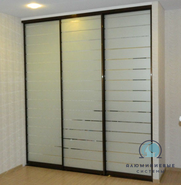 Раздвижные двери на шкаф-купе. Фасады с наполнением.