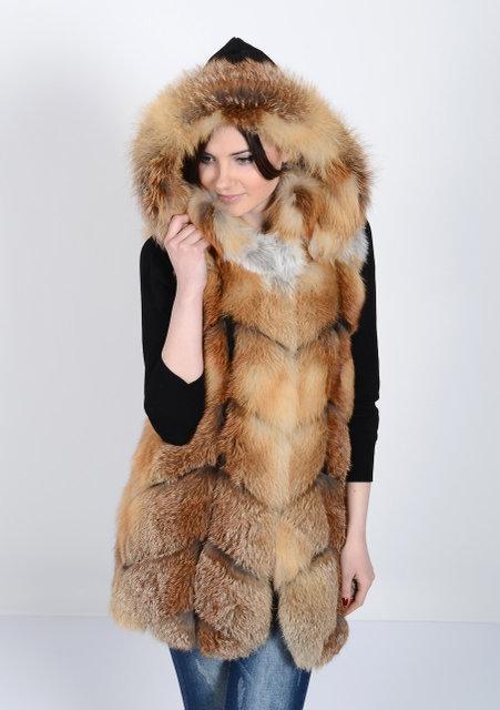 Жилет из натурального меха лисы с капюшоном IF 102
