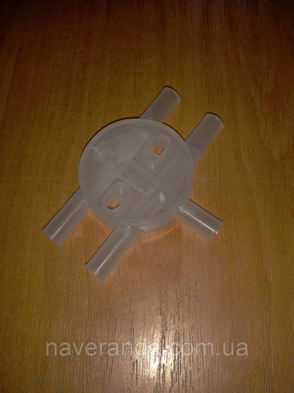 Распределительная пластмасса для доильного аппарата АИД