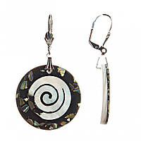 """Серьги-подвески """"Спираль в круге"""" черная. Осколки халиотиса,пластик, металл- под""""серебро"""" 32*25mm"""