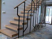 Дизайнерская лестница с консольными ступенями. В дом или квартиру. На второй этаж. Изготовление на заказ, фото 1