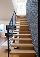Прямая лестница на металлическом центральном косоуре. В дом. На второй этаж. Изготовление на заказ