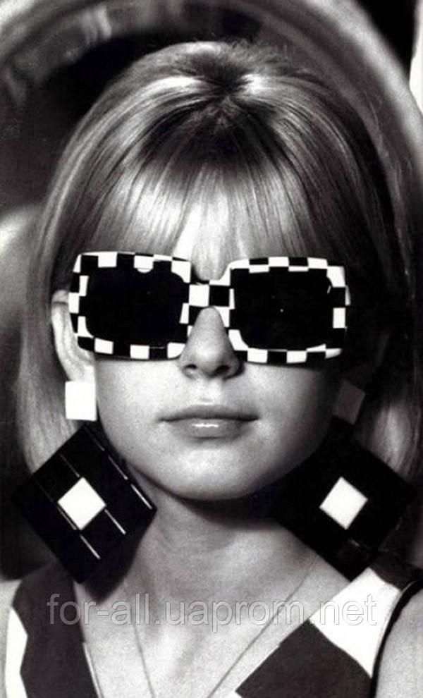 Сонцезахисні окуляри прямокутної форми. Стаття від інтернет-магазину Модная покупка