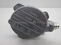 Механический вакуумный насос на Рено Трафик 03-> 2.5dCi — RENAULT (Оригинал) - 8200797164