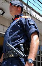 Телескопическая дубинка ESP на вооружении правоохранительных органов в Испании.