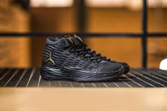 Баскетбольные кроссовки Nike Air Jordan Melo M13