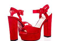 Женские красные замшевые босоножки на высоком каблуке