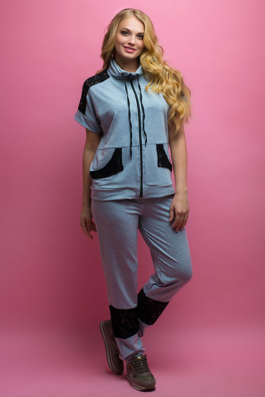 Женский костюм летний комбинированный с гипюром Калипса, цвет серый / размер 52-64 / большие размеры