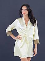 Элегантный халатик из атласной ткани с кружевами, цвет шампань, размер S-M (EU38, RUS44)