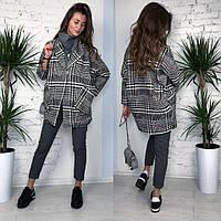 Женское шерстяное объемное пальто в клетку на подкладке